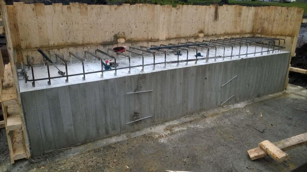 Ottokarhin puistosillan rakentaminen